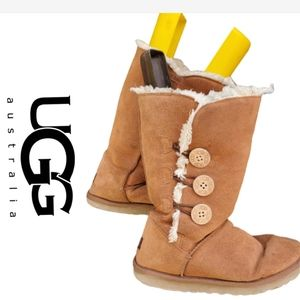 Ugg Bailey Button boots 8